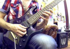 Мелодичное гитарное упражнение на растяжку пальцев левой руки.