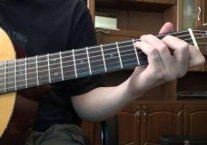 Песенка из рекламы Windows 8 (Самая простая мелодия на гитаре)