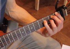 Уроки гитары. Аккорды с задержанием. Пример в песне группы 'Placebo' — 'Exit Wounds'