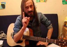 Уроки гитары. Зачем тебе нужен каподастр. Причина 1 — Изменение тональности