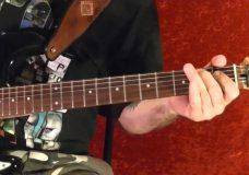 Как играть на гитаре JAMES BOND THEME — 007