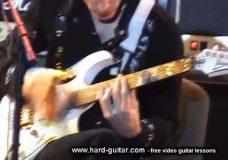 Мастер-класс игры на гитаре от Steve Vai