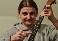 Slipknot на 1 струне электроакустической гитары Fender Cd-60. Посмотри