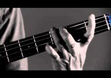 Урок игры на бас-гитаре от Flea