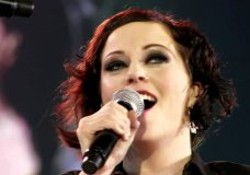 Within Temptation and Metropole Orchestra — Somewhere (Black Symphony HD 1080p)