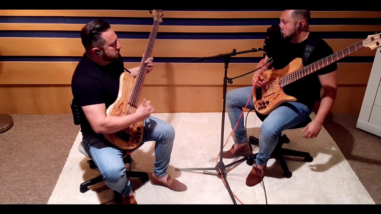 'Wind Sprint' (John Patitucci) played by Robert Vizvari