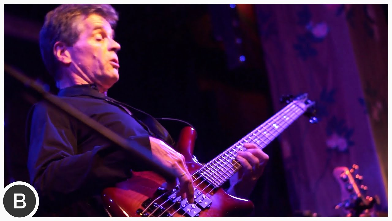 FUNKY BASS PLAYER - Philippe Gonnand