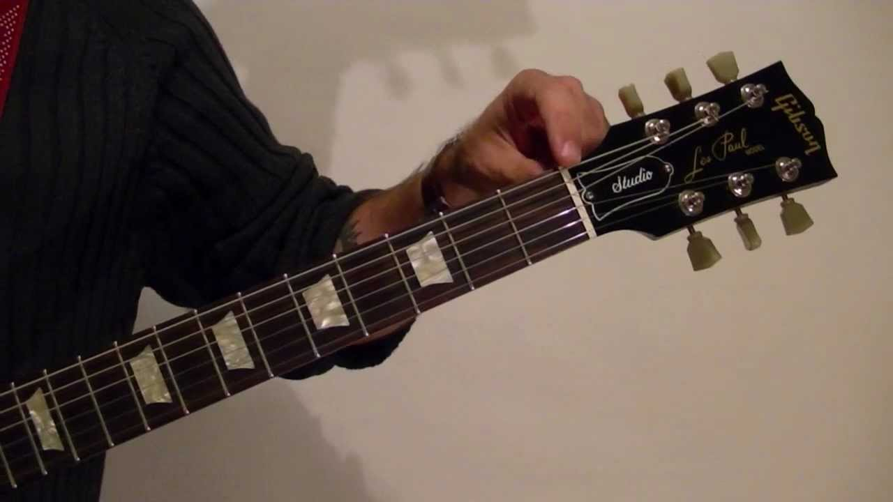 How to Tune a Guitar VERY EASY