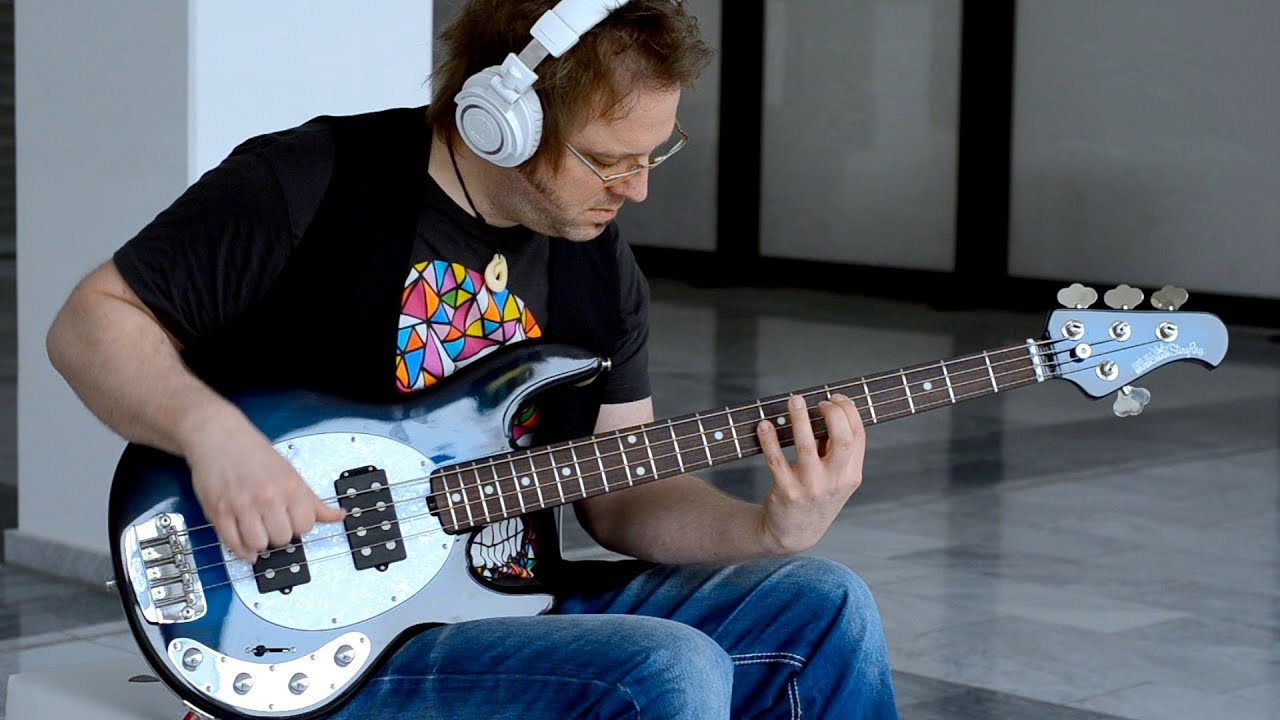 MUSIC MAN STINGRAY NECK THRU BASS - Lars Lehmann BassTheWorld.com