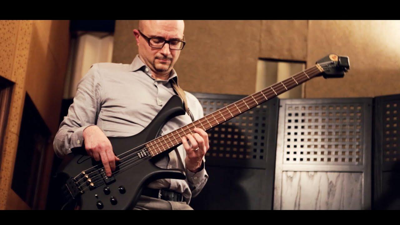 PIERLUIGI BALDUCCI - BASS IMPROVISATION OVER 2 MINOR CHORDS BassTheWorld.com