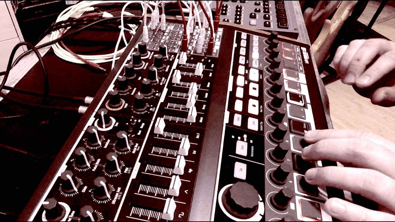 Slow Techno Jam ft Arturia MiniBrute 2S & Elektron Octatrack MK2